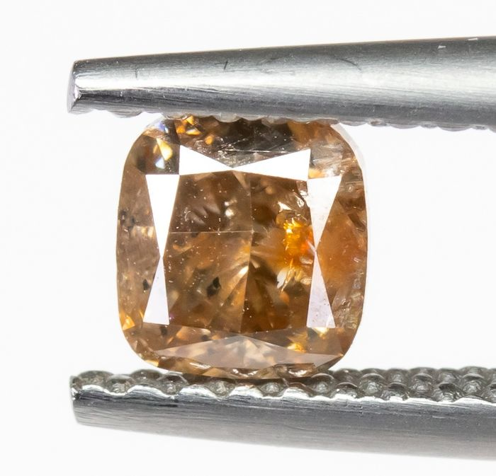 Diamond - 0.68 ct - Natural Fancy Light Orangy Brown - I2  *NO RESERVE*