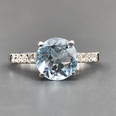 18 karat Hvitt gull - Ring - 2.00 ct Topas - Diamanter