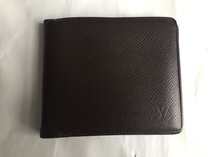 Louis Vuitton -  Taiga Leather Purse Wallet