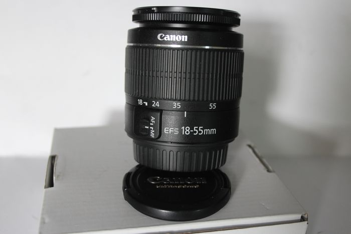 Canon EF-S 18-55 MM1;3.5-5.6