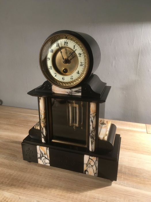 French clock Louis Philippe ca. 1880 - Brass, Enamel, Glass, Marble - Late 19th century