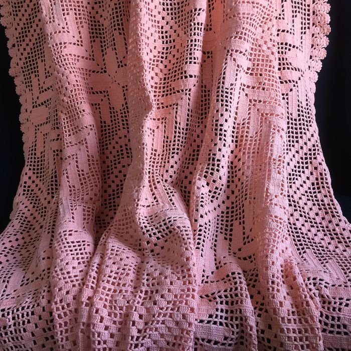 Hand crocheted square cotton tablecloth (1) - Romantic - Cotton - Late 20th century