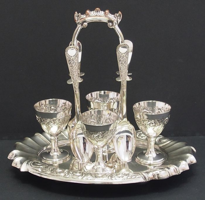 Victorian Egg Cups On Stand, 4 Person Set By Walker & Hall - Silverplate
