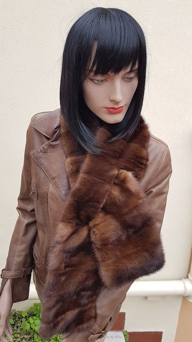 G. & M. FURS   (made in italy) Scarf