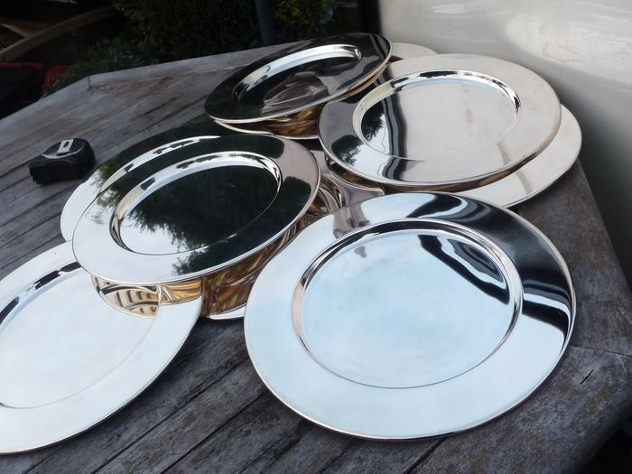 nice large silver plated bottom plates 3962 g (8) - Silverplate
