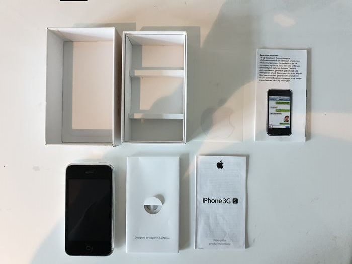 1 Apple 16gb iPhone 3G S 3GS White Mobile Phone Boxed  - Mobile phone - In original box