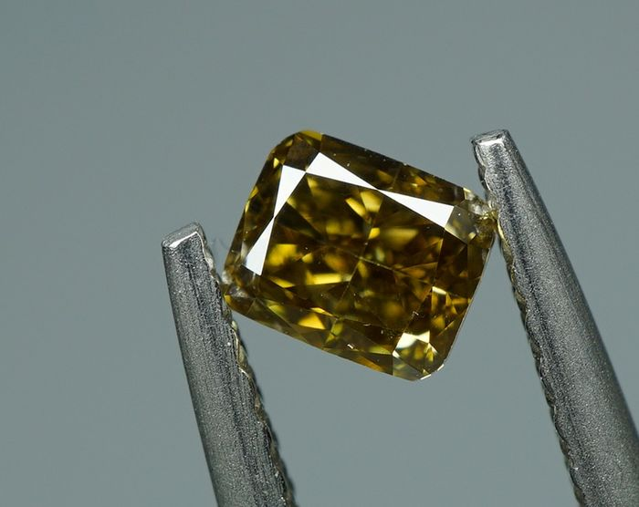 1 pcs Diamond - 0.35 ct - CUSHION BRILLIANT  - fancy deep yellow brown - SI1- No Reserve