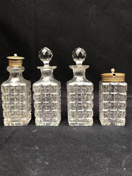 EPNS - Cruets Set with stand - Crystal, Silverplate