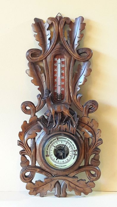 Holosteric - Barometer with thermometer. Beautiful carving with deer - Wood