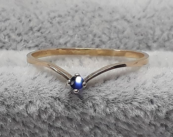 18 kt. Gold - Ring - 0.05 ct Sapphire