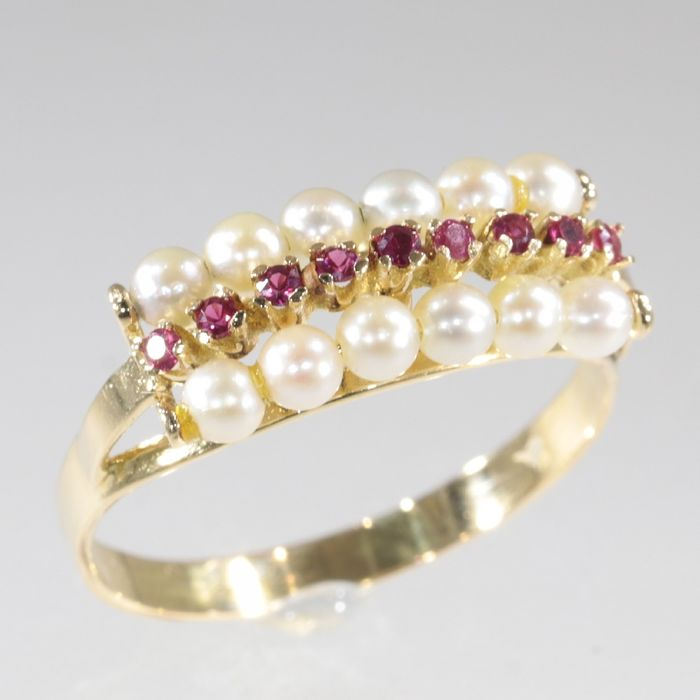 18 kt. Yellow gold - Ring, Engagement, Vintage 1930's - Ruby - Pearls, Free resizing!* NO RESERVE PRICE