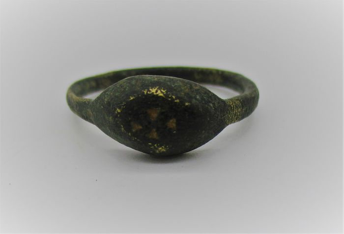 Byzantine Bronze crusaders seal ring with cross motif
