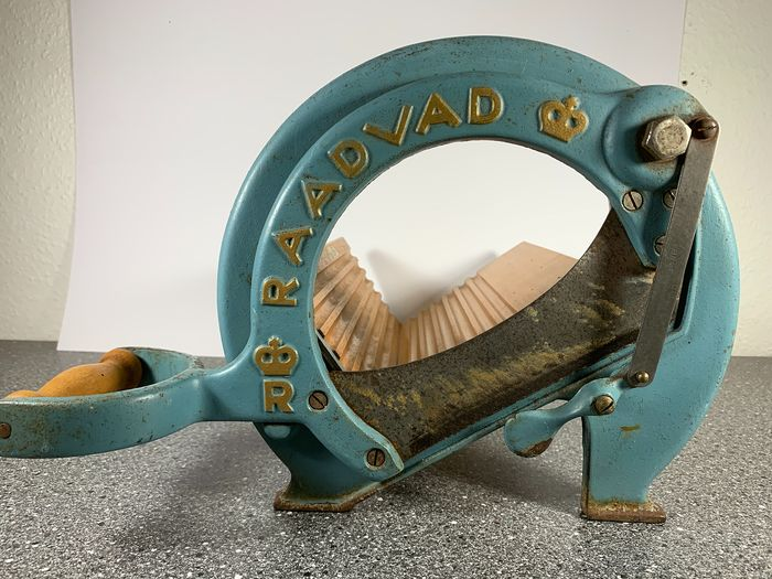 Ove Larsen - Raadvad Breadslicer NO294 long model - Iron (cast/wrought), Steel (stainless)