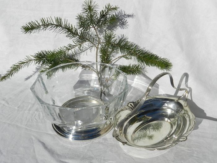 Bowl on silver-plated base and Hengselschaal marked - Crystal, Silverplate