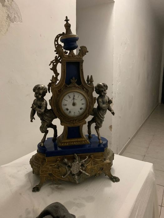 Tabletop clock - Brass, Marble, Ormolu - First half 19th century