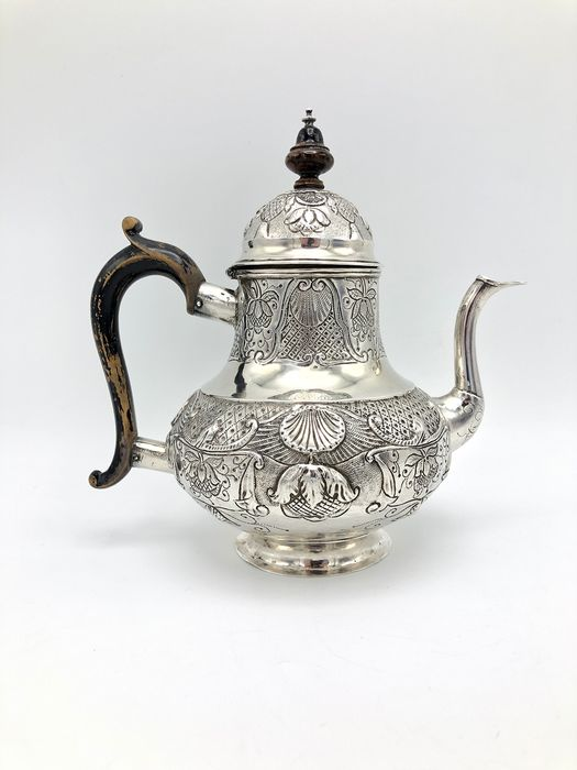 Teapot - .934 silver - Isaac de Vries, Amsterdam - Netherlands - anno 1769