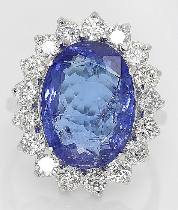 14 kt. White gold - Ring - 8.03 ct IGI Certified Blue Tanzanite - 1.36ct VVS Diamonds