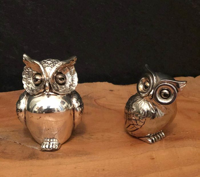 Beautiful owls in laminated silver (2) - Silverplate