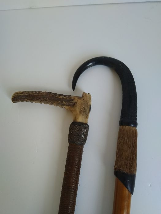Spazierstock (2) - Knochen, Leder, Gams Horn  - one first half 19th century, the other of later date