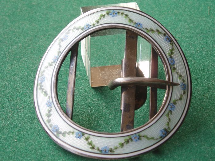 Beautiful buckle - Art Deco - Guilloche - .935 silver - Waarschijnlijk Louis Kuppenheim - Germany - First half 20th century