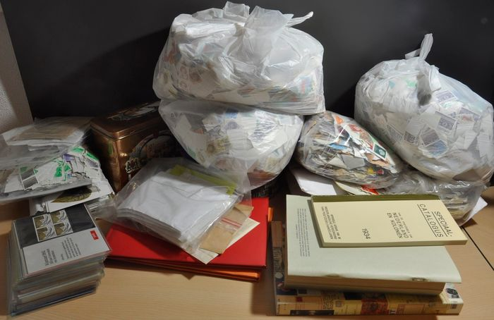 Netherlands - Large batch with hundreds of stamps in bags, folders and much more