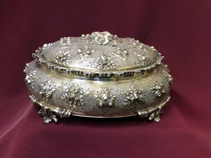 Jewellery box - .800 silver - Italy - Early 20th century