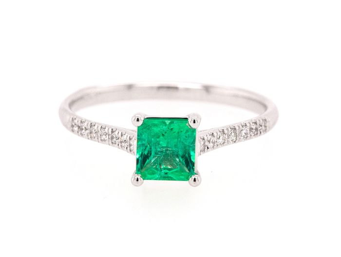 14 kt. White gold - Ring - 0.47 ct Emerald - 0.09 ct - Diamonds - No Reserve Price