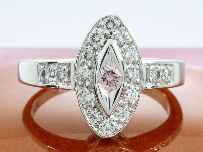 18 kt. Gold - 0.28ct - diamond ring with IF/Flawless - natural Fancy pink center.