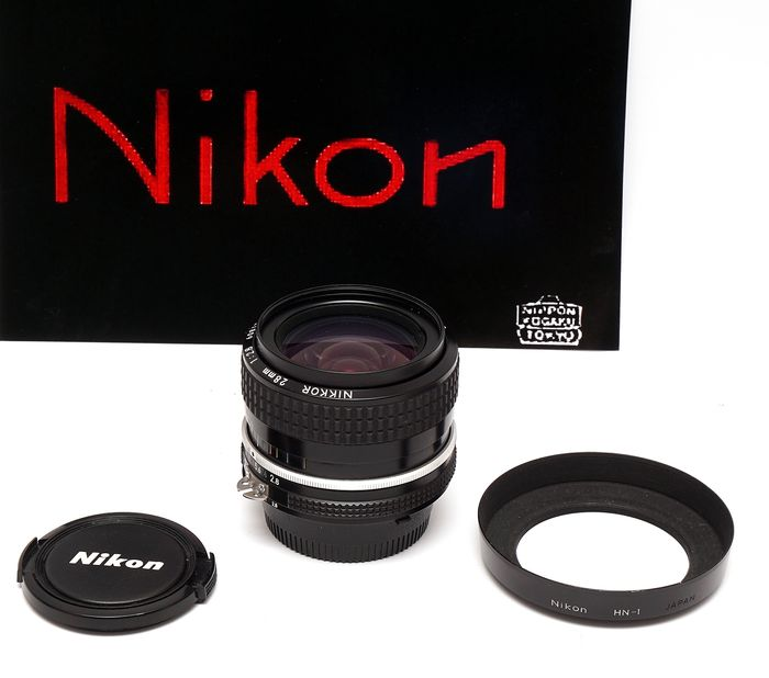 Nikon Nikkor 28mm/f2,8 AI set  (camera not included)