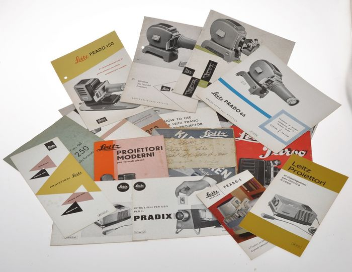 Leitz lot of various Leica literature about slide proiector (almost all in Italian), varoius years