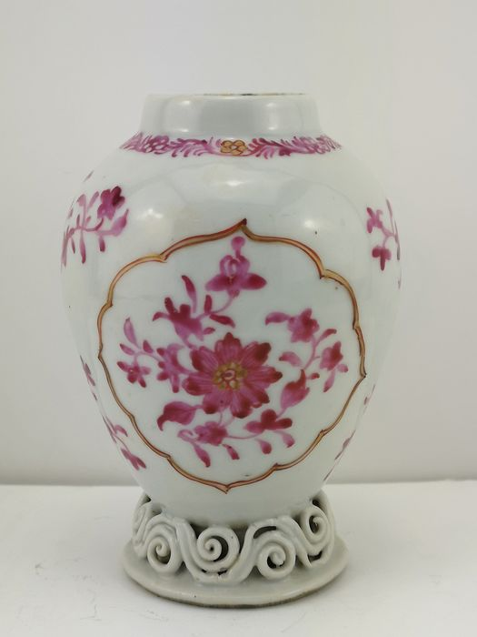 Small Vase - Porcelain - Companhia Das Indias - Famile Rose Decoration - China - Qing Dynasty (1644-1911)