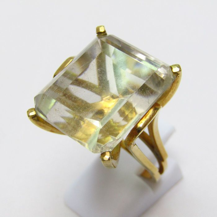 14,50 gr. - 18 kt. Yellow gold - Ring - 63.91 ct Topaz