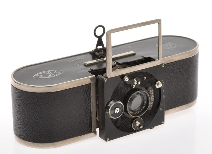 Krauss Paris , very rare Eka camera c.1924 with Krauss Tessar 50/3.5, very nice original condition