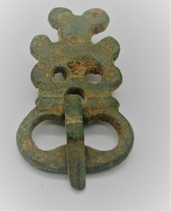 Byzantine Bronze crusaders buckle with cross motif