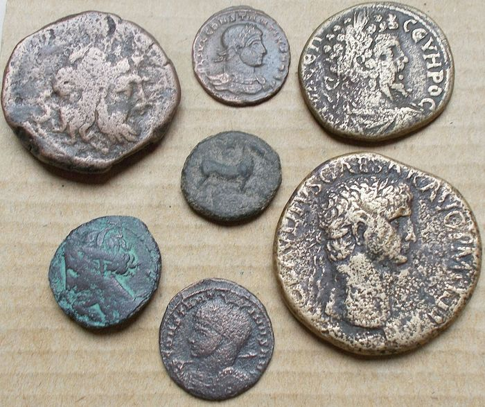 Empire romain, Grèce (ancienne), République romaine - Lot comprising 7 AE coins, various periods, incl.: Sestertius, Claudius (AD 41-54)