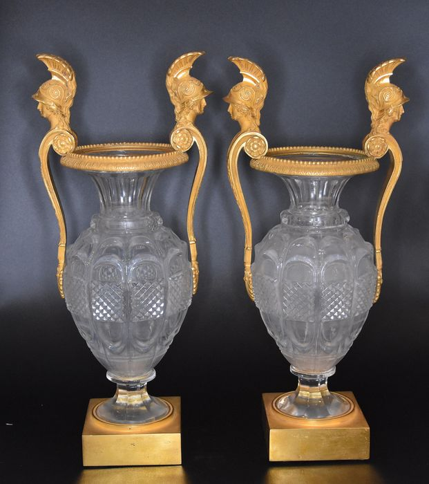 Attributed to Antoine André Ravrio - Pair of Vases Charles X Period - Neoclassical - Bronze (gilt), Crystal - 18th century