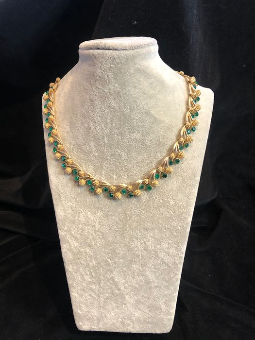 Gold-plated - Crown Trifari crystal necklace