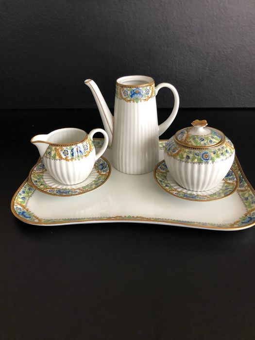 Limonges wonderful coffee in ancient porcelain. - Porcelain