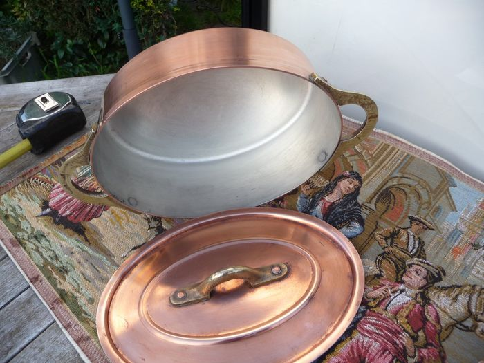 oval pan with lid 1230 g (1) - Copper