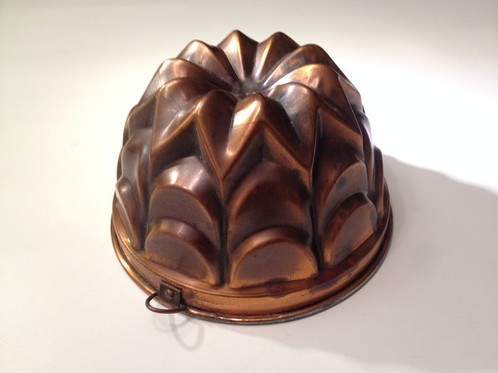 """baking mold """"Gugelhupff"""" South Germany, probably around 1950 - Copper"""