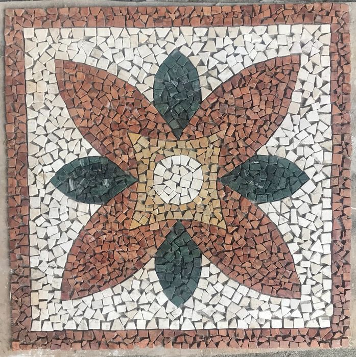 Mosaic in various marbles - Marble