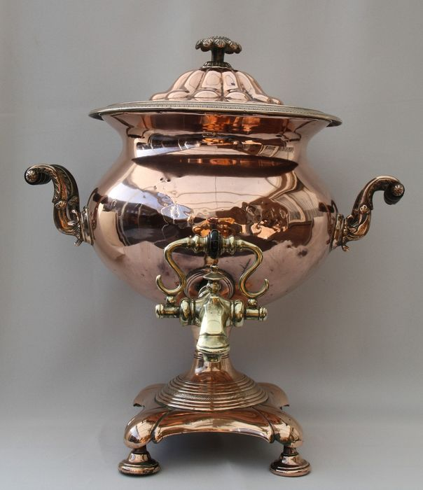 Large Victorian copper classical shape samovar with brass tap 1880/1900 - Copper