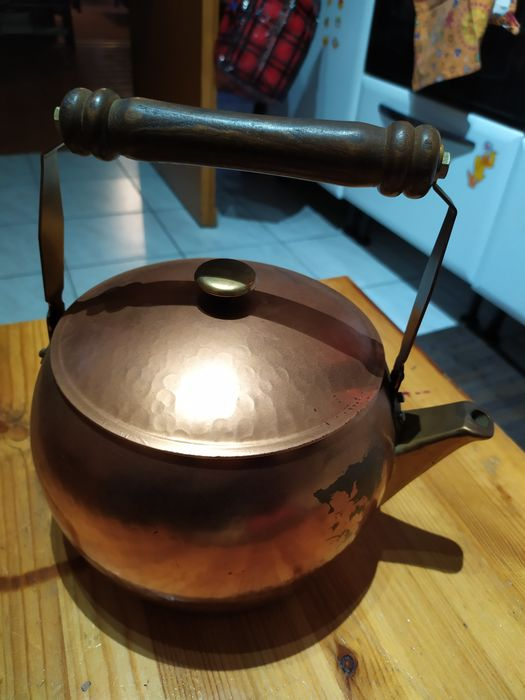 red copper kettle (1) - Copper