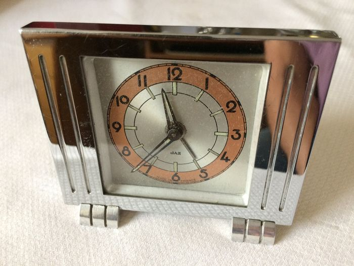 JAZ alarm clock model Static - nickel-plated metal, aluminum feet - 1938