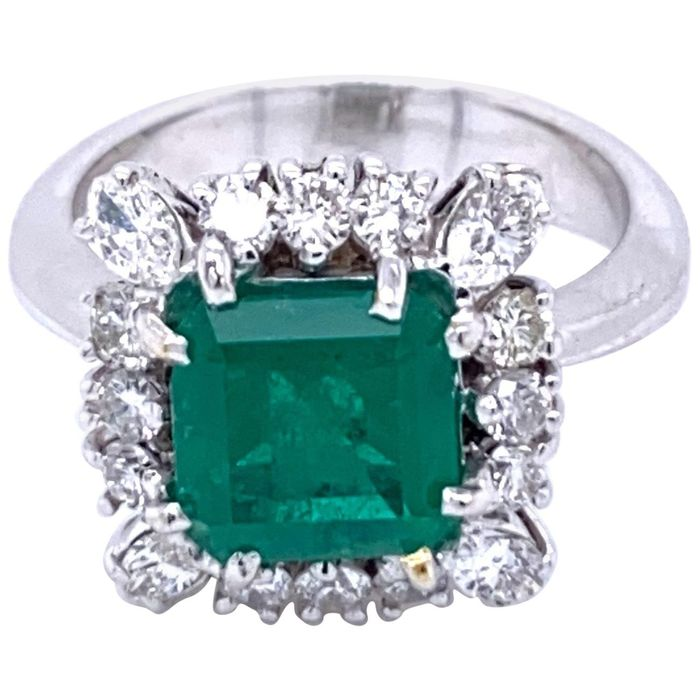 18 kt. Gold, White gold - Ring - 2.70 ct Emerald - Diamonds