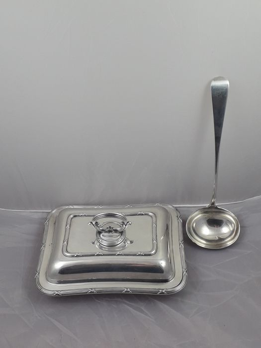 cooper brothers - tureen (2) - Victorian - Silverplate