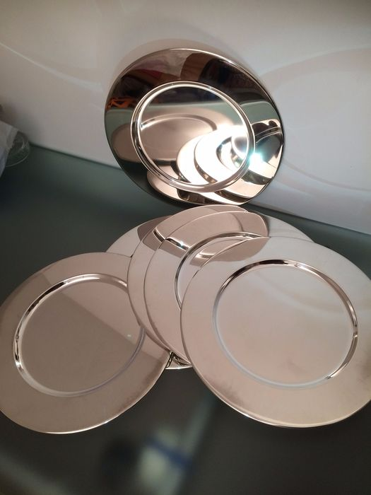 Six decorative table bottom plates with curb edge - Silverplate