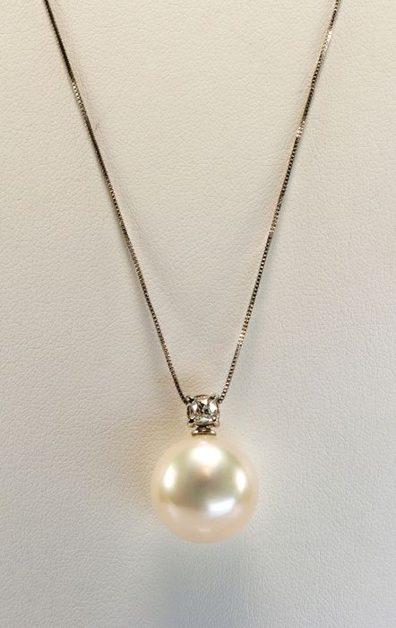 18 kt. South sea pearl, White gold, 14 mm - Necklace with pendant - 0.28 ct - Diamond