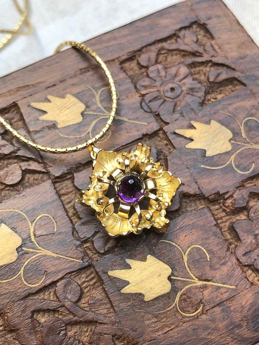 14 kt. Yellow gold - Necklace with pendant / brooch - 0.55 ct Amethyst