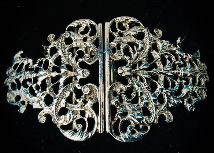 English Victorian sterling silver nurse belt buckle  (1) - .925 silver - Robert James Chaplin & Sons ( possibly)  - U.K. - Late 19th century